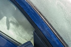 winter-wheel-window-glass-frost-windshield-285146-pxhere.com